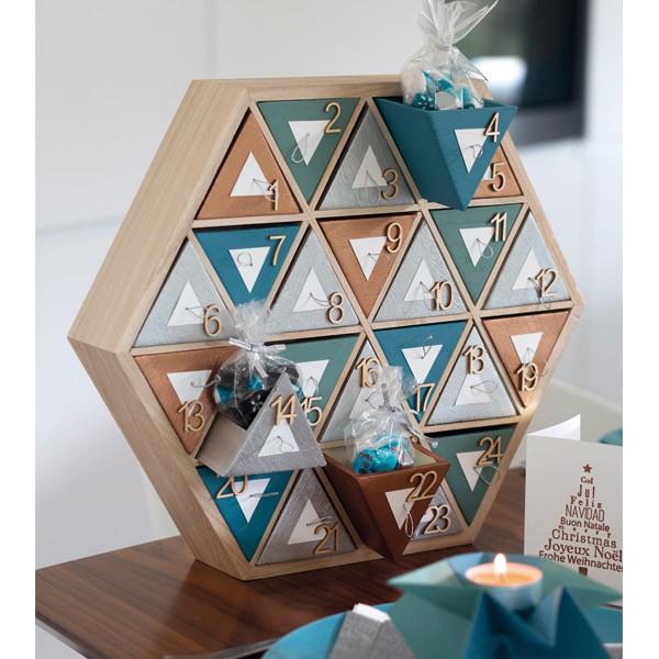 calendrier de l 39 avent en bois hexagonal 36cm artemio. Black Bedroom Furniture Sets. Home Design Ideas